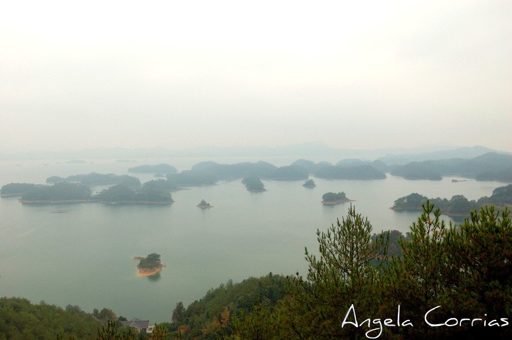 A trip, a photo - One Thousand Island Lake, China
